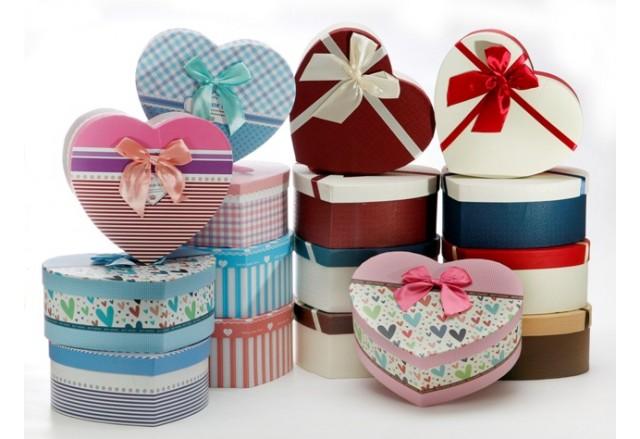 3 Heart  / Square shape boxes set + satin ribbon